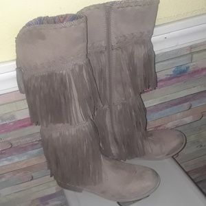 EUC worn one X justice talk fringe boots tan 9